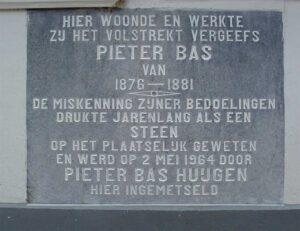 gedenksteen Pieter Bas