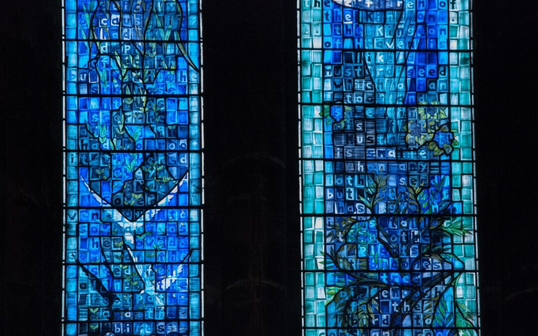 blauw glas-in-lood raam