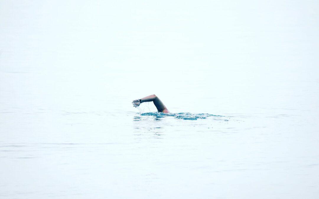 Dit is een uitdaging: een zwemmer die de elfstedentocht wil zwemmen voor het goede doel